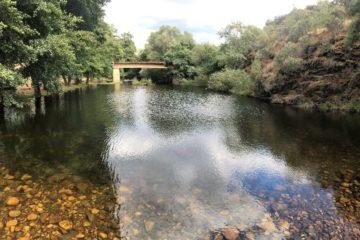 el puente zona de baño del rio ibor