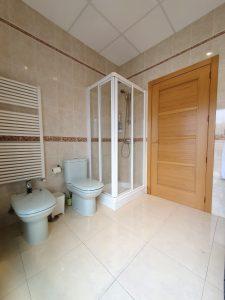 mampara de ducha baño completo suite castaño